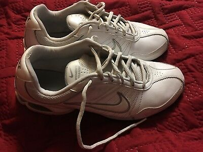 76789b3ad8b46a WOMEN S NIKE AIR Exceed Leather Training Shoes White Silver Size 9.5 ...