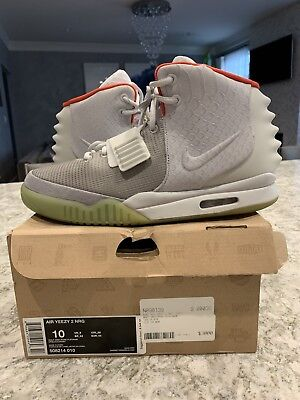 5541389fb91 NIKE AIR YEEZY 2 NRG Pure Platinum Size 10 100% Authentic 508214-010 ...