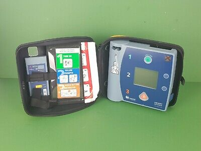 Laerdal Philips FR2+ Hearstart Defib AED+Case+Used Battery+Memory Card+Pads