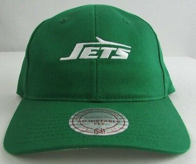 quality design 972d9 a4873 New York Jets NFL Mitchell   Ness Strapback Curve Brim Green Hat