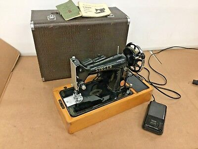 Vintage 1950s Singer Sewing Machine Model 99K - Red S, With manual, Electric
