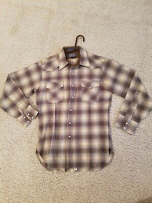 Vintage Pendelton Mens Wool Shirt Pearl Colored Snap Buttons Size Medium Usa
