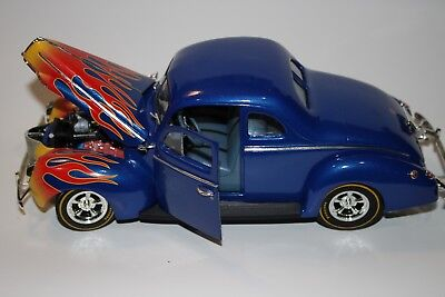 American Muscle ERTL 1/18 scale 1940 Ford Street Rod Die Cast