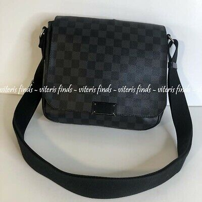 3e3e8313d3bd Auth Louis Vuitton District PM Damier Graphite Canvas Messenger Shoulder Bag
