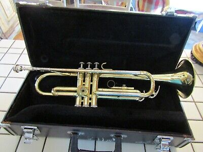Yamaha Trumpet Model YTR2320 with Vincent Bach 3C Mouthpiece in Hard Case