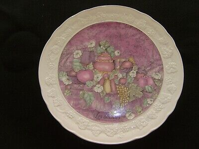 "GIEN Marie-Pierre Boitard ""Les Delices"" 12 5/8 Inch Cake Plate"