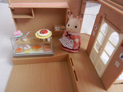 Sylvanian Families House of Bramble's Department Store + Cake Stall Accessories