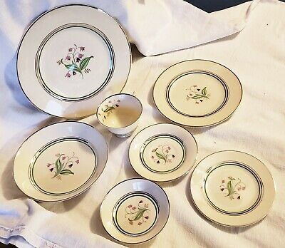 Syracuse China Old Ivory Coralbel 7 Piece Place Setting w/ Plates Bowls Cups