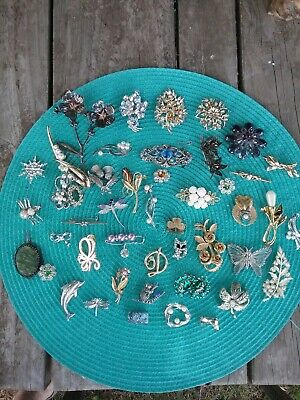 bulk lot of brooches. vintage, antique, silver collection