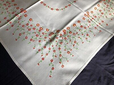 Pretty Vintage Flora Hand Embroidered White Cotton & Rayon Mix Medium Tablecloth