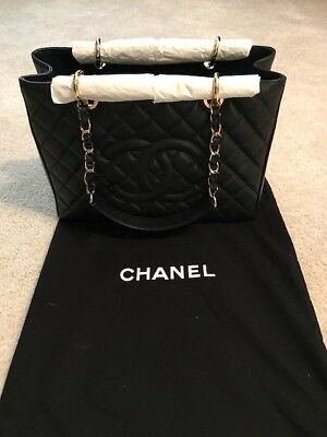 6c2fc54dc8a9e2 CHANEL A50995 GST Grand Shopping Black Caviar Quilted Bag ...