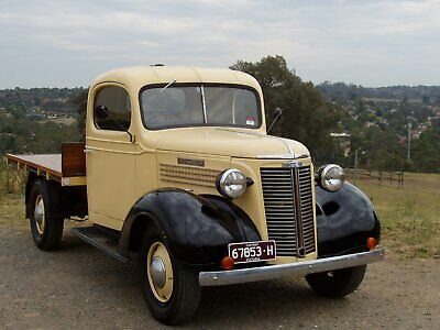 Oldsmobile truck 1938 One ton tray  (Rare) Great collector or promo vehicle