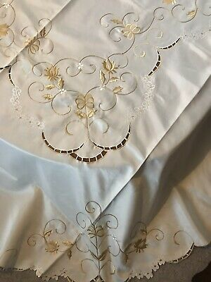 """New Hand Embroidered Oval Cream Table Cloth 72"""" X 90"""" , Nap (8) & Tray Cloth"""
