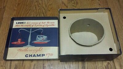 """Vintage The Featherweight Champ Hat Box """"No More Weight Than 2 Packs Of Cig"""" Ad"""