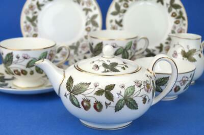 WEDGWOOD Tea for 2 Set STRAWBERRY HILL Teapot, Jug, Bowl Cups,Saucers, Plates