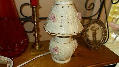 Lamp Great For The Bedroom Capodimonte Style Cream Color Pink Flowers. Exuc.