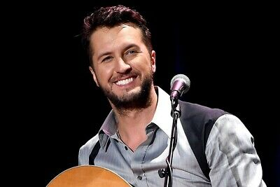 2 Luke Bryan Houston Rodeo Tickets Feb 28 CLUB LEVEL 305 seats Row R/S 13R/13S🎸