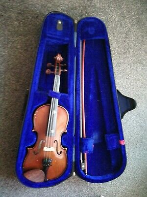 Stentor student 1/2 size violin with bow and case