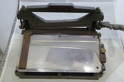 Vintage Cast Iron Printers & Bookbinders Serrated Edge Cutter / Guillotine