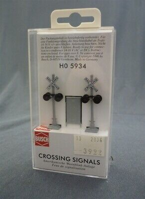 Boxed BUSCH HO Scale Crossing Signals 1:87 HO5943 Model Railroad Railway