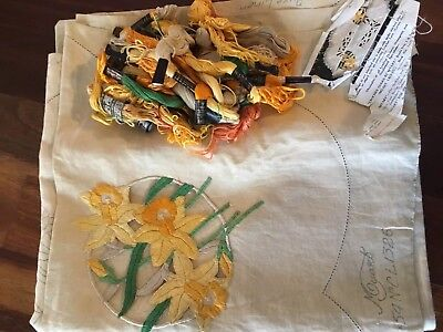 Vintage Traced Linen Cut Work Daffodils Tablecloth Cottons Complete Embroidery
