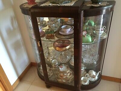 Vintage Crystal Cabinet With Mirror Back & 2 Glass Shelves