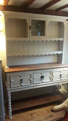 Attractive Vintage  Oak  Dresser