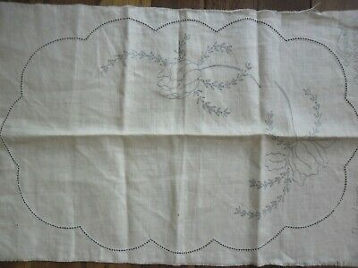 Vintage pure linen fabric Unworked Embroidery Doily 43cm x 27cm