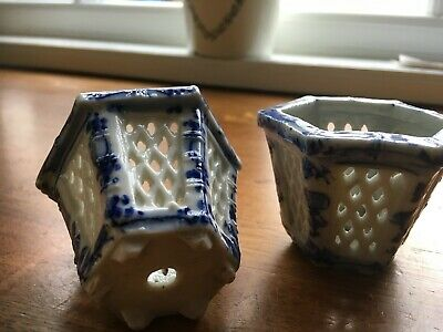 Exquisite small Chinese? latticework style blue pots approx 2 inches high