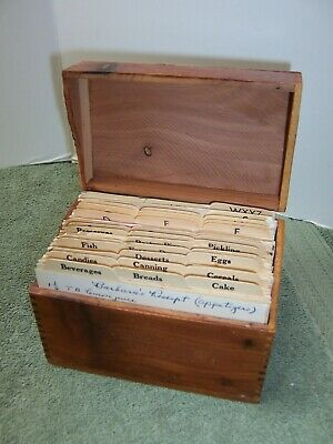 Vintage Wood Recipe Box Dovetail Handwritten Family Recipes and Clippings 1940's