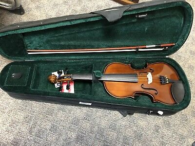 Cremona SV-130 Violin Outfit 4/4 Size with case, rosin, and bow