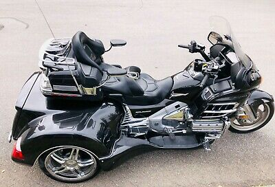2010 Honda Gold Wing  ONLY 5600 MILES ONE OWNER PRISTINE LIMITED EDITION ROADSMITH TRIKE MUST SEE!
