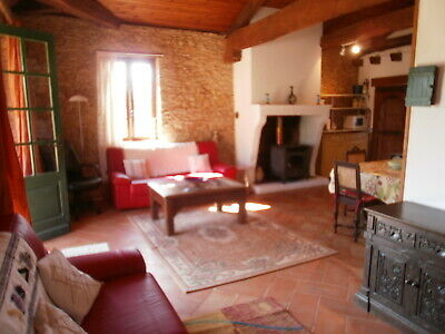 French stone cottage/2 bed/2 bath/1000+ M. land and use of estate swimming pool