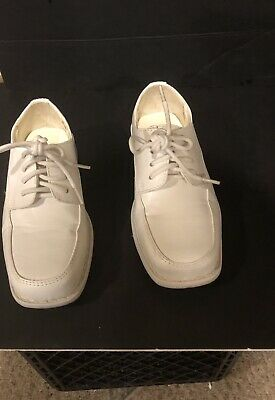 5592a6606fea PRE OWNED BOYS Size 12 White Communion Shoes Great Condition ...