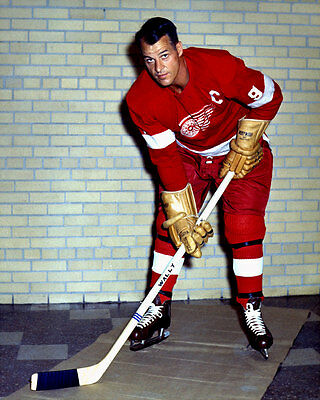 Gordie Howe Detroit Red Wings  8x10 Photo