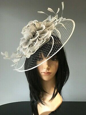 PALE GREY GREY WEDDING Disc Formal FASCINATOR Occasion HAT Mother Of The Bride