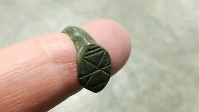 Ancient Roman Bronze RING (#13b) Crisscrossed Lines On Bezel, 16 mm, Wearable