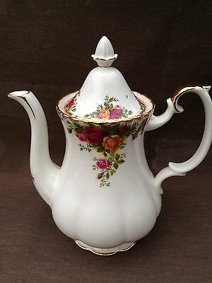 ROYAL ALBERT OLD COUNTRY ROSE Mediam Size COFFEE POT