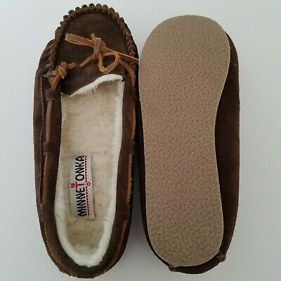 c9067bf9eed Minnetonka Moccasin - Brown Leather Soft Pile Lined - Women s Slipper Size 6