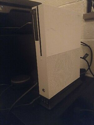 Microsoft Xbox One S 1TB White Gaming Console w/ Controller and all wires