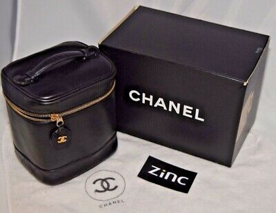 024cdb2faa29fd CHANEL Black Quilted Bicolor Lambskin Leather Vanity Case Cosmetic Pouch  CLLVCC1