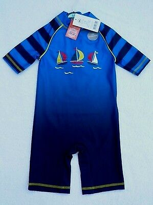 BNWT M/&S Baby Boys SHARK UPF40 UV Surf Sunsuit /& Hat Sun Protective Swimsuit