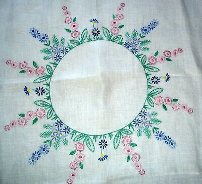Vintage Hand Embroidered Daisy Circle White Linen Tablecloth
