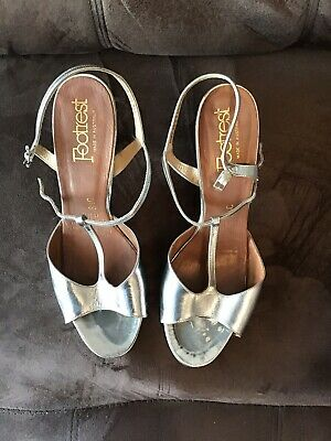 Women's Vintage Silver Shoes By Footrest Size 81/2