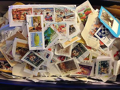 200g All Stamped Used Australian Stamps On Paper Bulk (kiloware)
