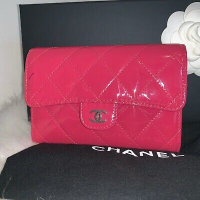 8f566450e7fef1 100% AUTH. CHANEL Classic Small Flap Wallet Patent Leather Quilted Fuchsia  pink