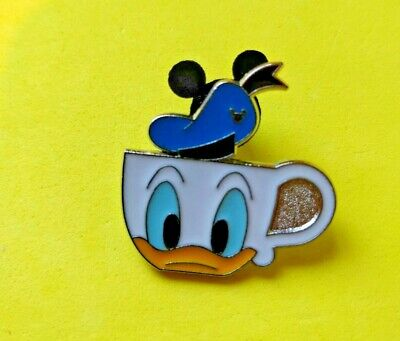 .Disney trade pin Donald cup   ( COMBINE THE P&P)27