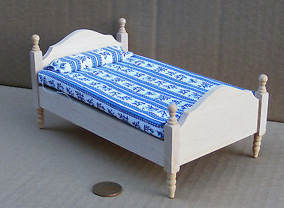 1:12 Scale Natural Finish Single Bed Tumdee Dolls House Bedroom Accessory 069