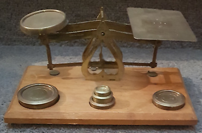 VINTAGE POST OFFICE Letter Brass Balance SCALES & 5 Brass Weights - English