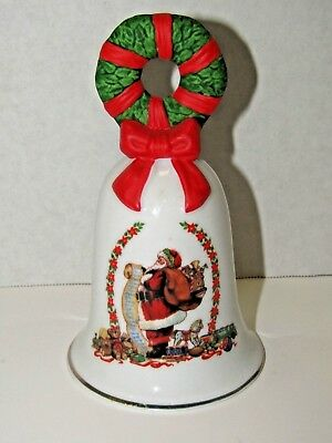 Vintage Avon 1995 Christmas Santa Checking His List Wreath Porcelain Decorative